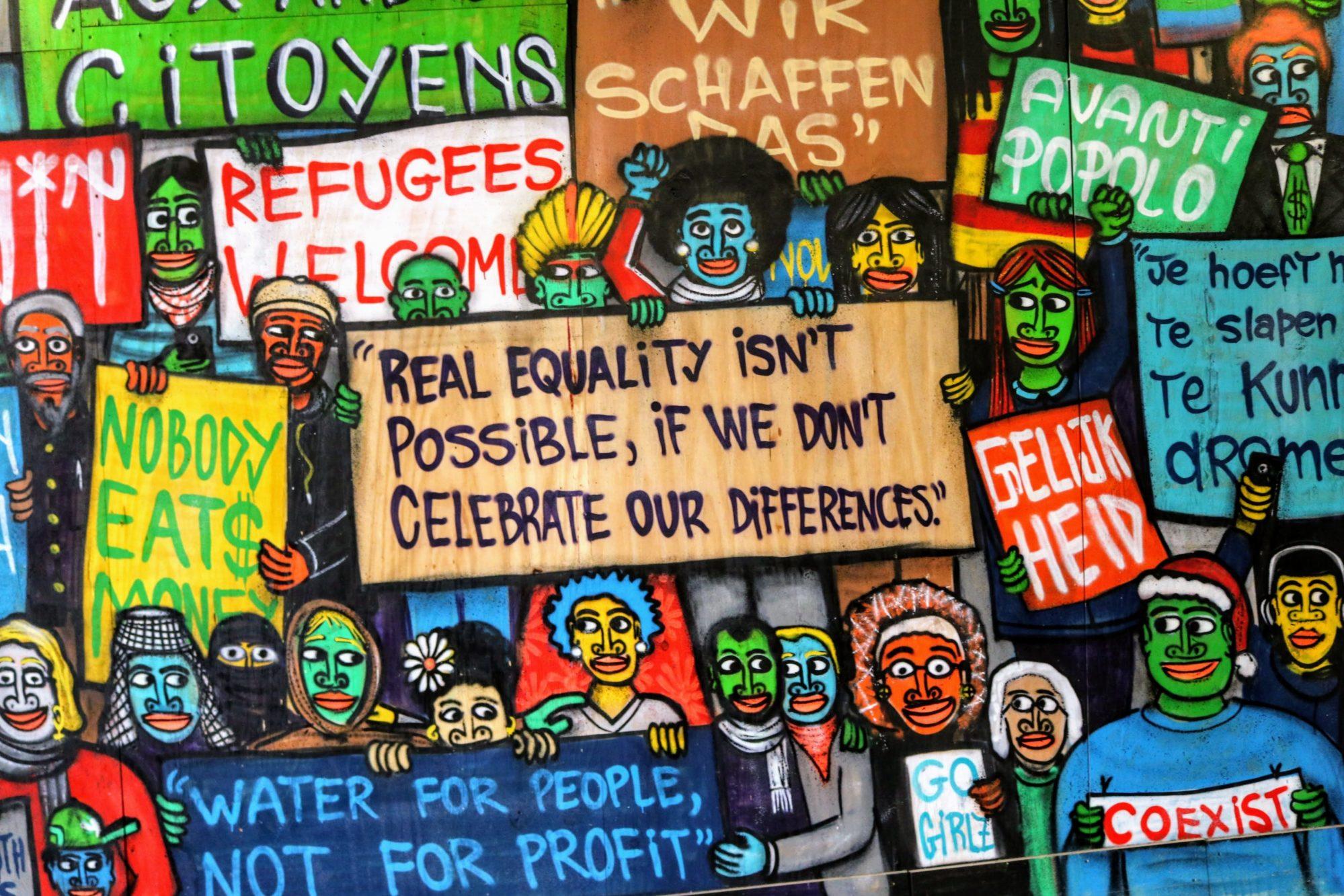 Graffitis soutenant les réfugiés