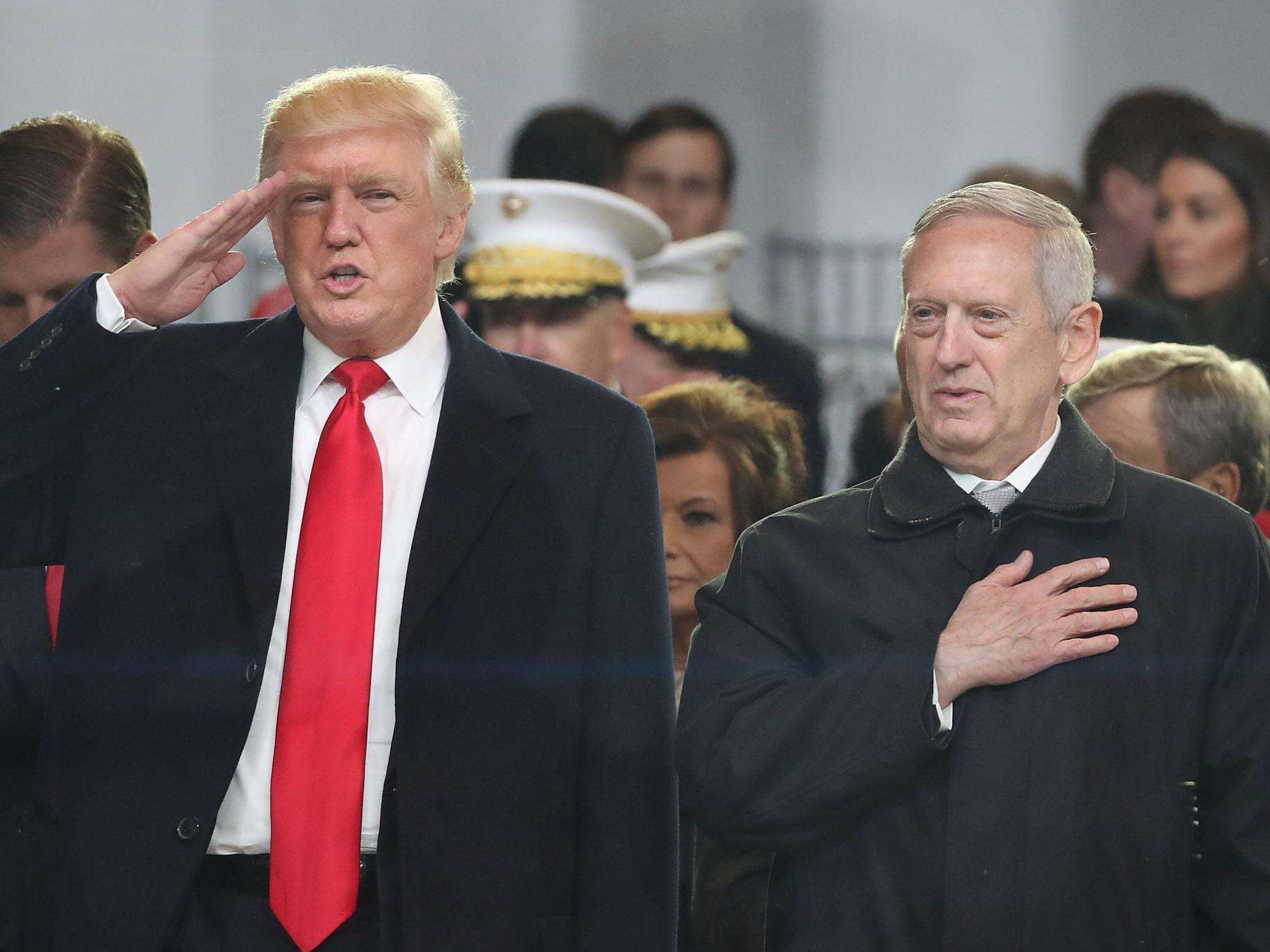 Donald Trump et Jim Mattis, ancien ministre de la défense des États-Unis
