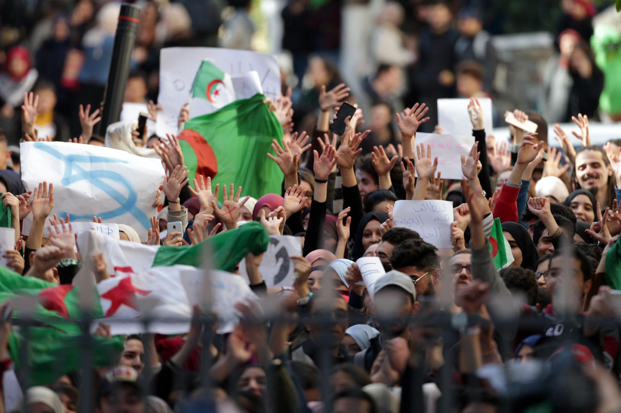 Mécontentement du peuple algérien