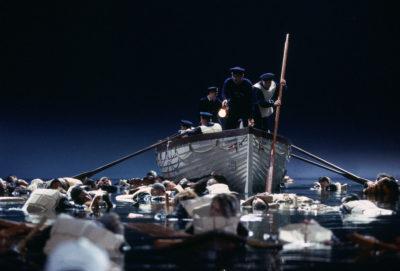 Recherche des survivants après le naufrage du Titanic